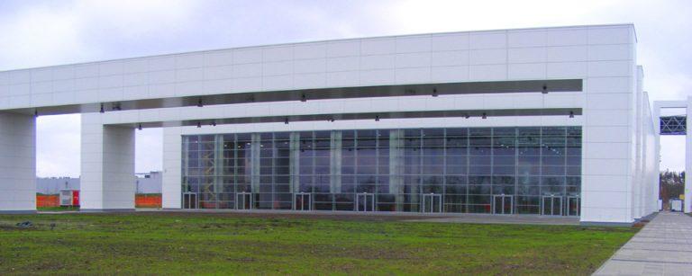 Centrum Wystawienniczo-Kongresowe w Opolu z zewnątrz